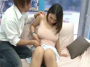 母乳でちゃう産後素人若妻がMM号でシミケンに寝取られるw